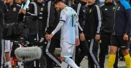 Messi saliendo expulsado vs chile